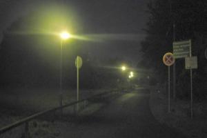 LED Solarleuchten zur Wegbeleuchtung an einem Campingsee